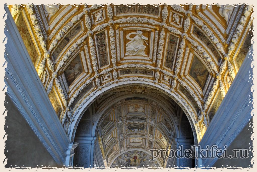 потолок у входа во дворец Дожей