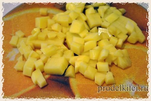 режем картошку для фриттаты